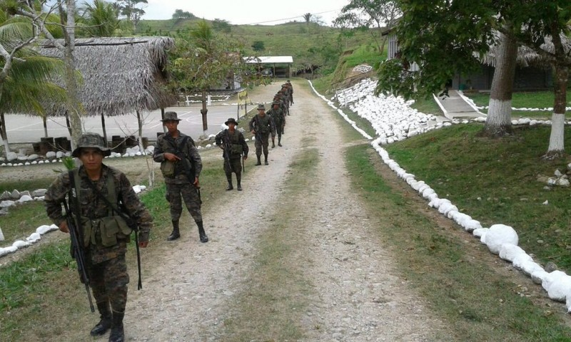 Guatemalan troops mass near Belize border after shooting incident